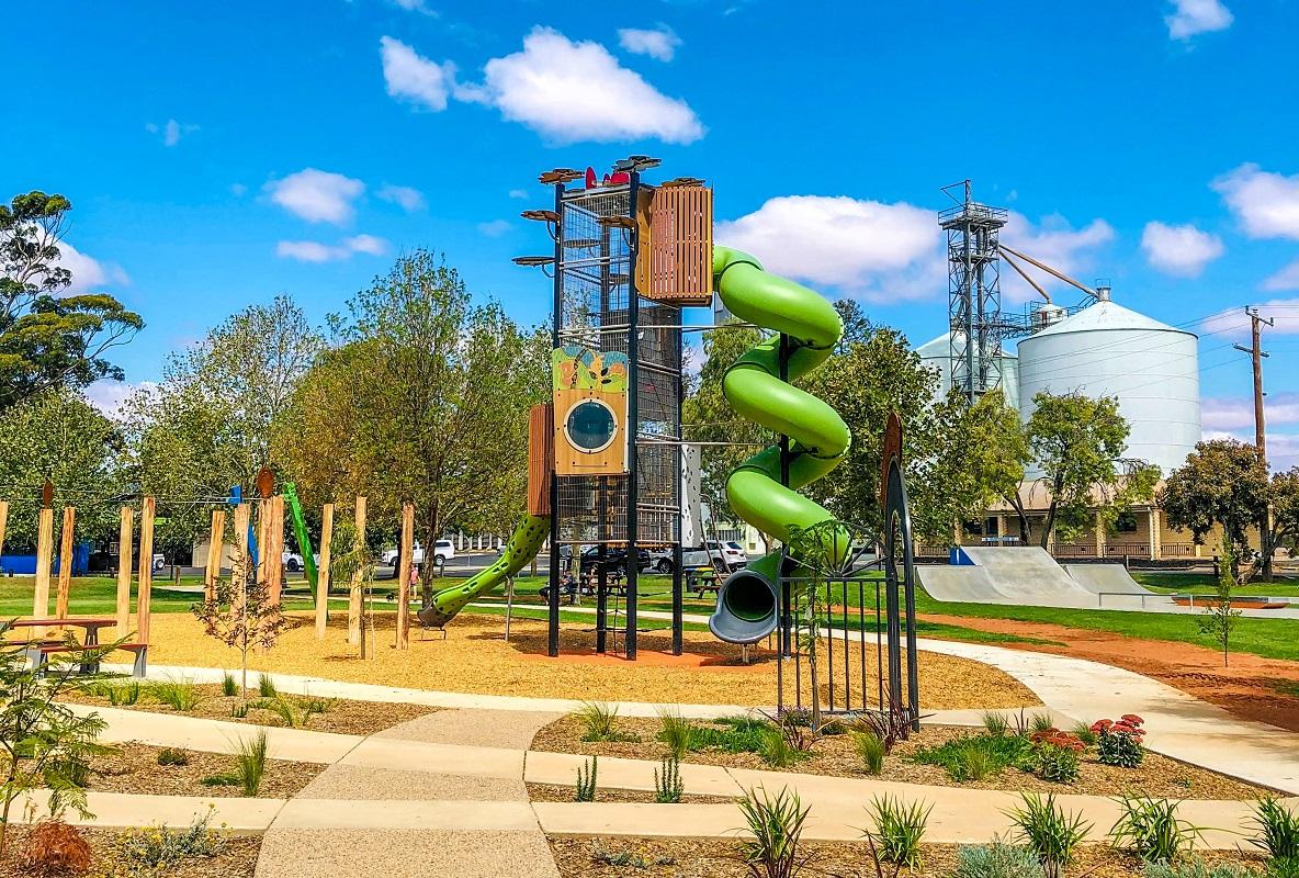VIC - Riverside Park Adventure Playground